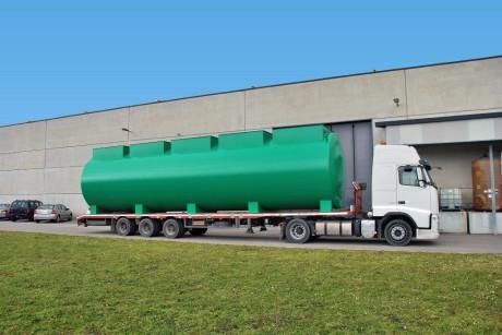 Fase di trasporto comparto MBR, attrezzato con membrane di ultrafiltrazione, da abbinare a depuratore biologico tradizionale esistente, a servizio attività lattiero casearie, per raddoppio potenzialità impianto