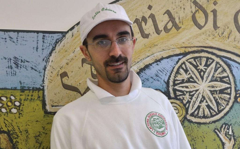 Il dottor Alessandro Bettini, direttore di produzione del caseificio di via Nazionale – Zona Artigianale 23/A, Chiuro (SO)