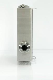 Vista frontale del sistema d'analisi ProFoss. Classificato IP69K, resiste a getti di acqua e vapore ad alta pressione