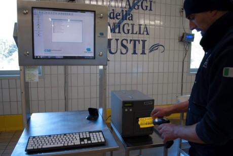 Postazione CSB-Rack utilizzata per ingresso/uscita formaggi in sala di stagionatura
